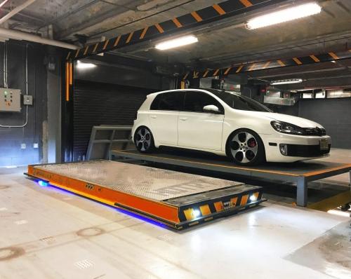 AGV机器人智能立体车库